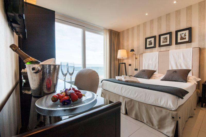 Benessere massaggi di coppia Offerta Hotel Cesenatico con spa